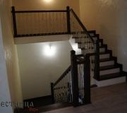 Лестницы в загородном дрме