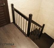 Современное ограждение по лестнице