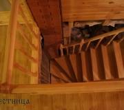 Лестница г- образная с поворотом на 90 градусов