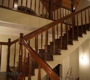 Монолитная лестница облицованная лиственницей