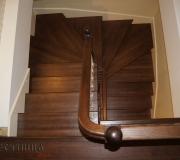 Деревянная лестница авторской работы