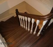 Классическое деревянное ограждение по лестнице