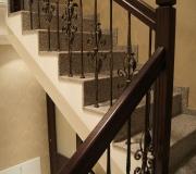 Ограждение по лестнице