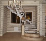 Лестница с пригласительной ступенью