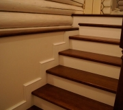 Плинтус для лестниц в классическом стиле