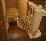 Элитная лестница из дуба