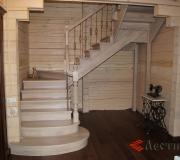 Лестница беленый дуб