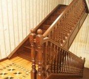 Лестница из дуба. Облицовка монолитной лестницы.