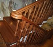 Монолитная лестница облицованная дубом