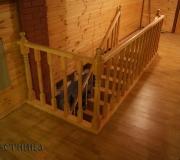 Деревянное ограждение для лестниц