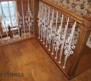 Ограждение для лестниц с металлическими балясинами