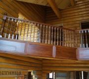 Деревянное ограждение для лестниц второго этажа