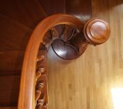 Элитная лестница с изогнутым поручнем
