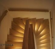 Лестница из ясеня с подсветкой.