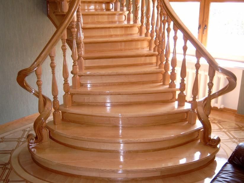 достоинства лестниц из бука