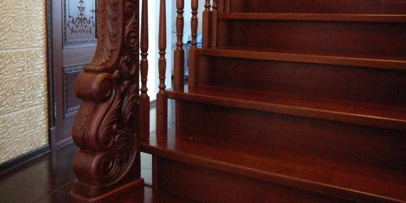 лестницы из ореха