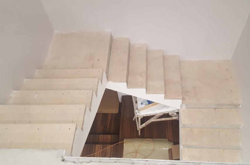 прочные железобетонные лестницы