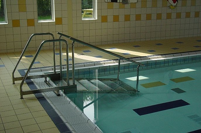 О лестнице для бассейна