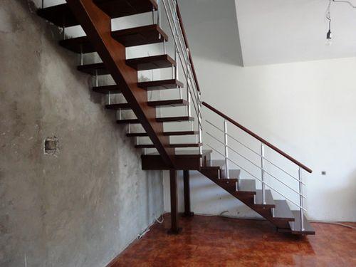 О лестнице на металлическом косоуре