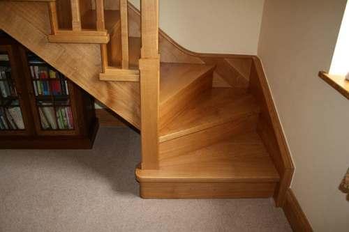 О лестнице с поворотом на 90 градусов