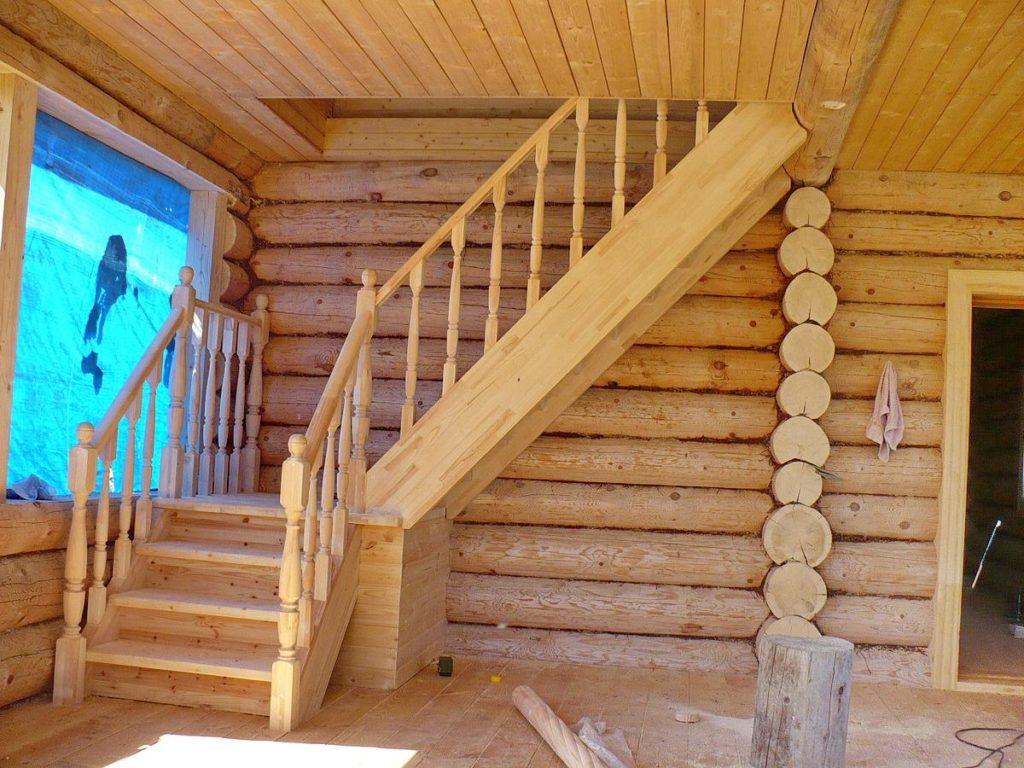 Лестница в бане на второй этаж