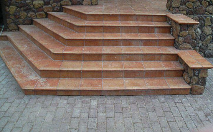 О нетиповых лестницах
