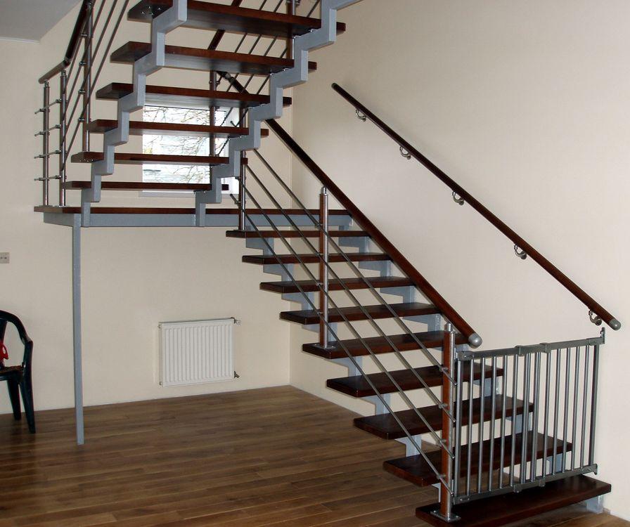 Доставка лестниц